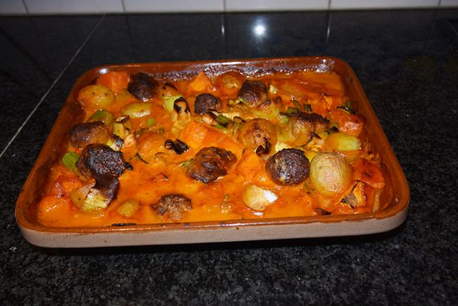 Ovenschotel van pompoen, prei, aardappeltjes en braadworst 1