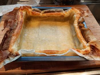Bladerdeegtaart met pasteibakkersroom en blauwe bessen 4