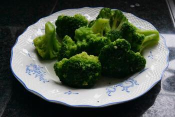 Broccoli met picklessaus 2