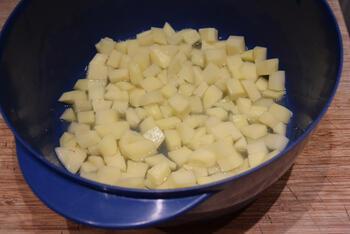 Gemarineerde zalm met gebakken aardappelsla 2
