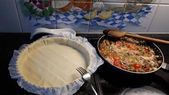 Hartige taart met champignons en ham 5
