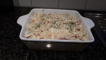 Ovenschotel  met farfalle, gekookt hammetje en kaassaus 8