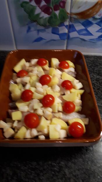 Ovenschotel met zeeduivel, knolselder, aardappelen en paprikasaus 3