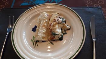 Ovenschotel van cannelloni met zalm, ricotta, spinazie en kaassaus 8