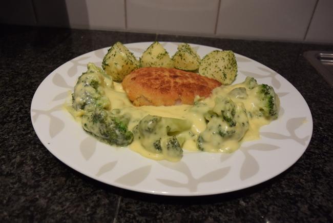 Broccoli met picklessaus 1