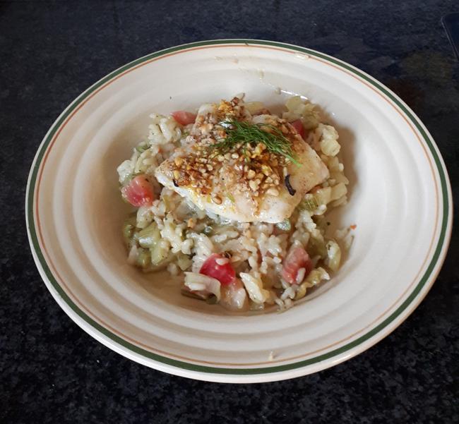 Kabeljauw met notenkorst en risotto met venkel en rode biet 1