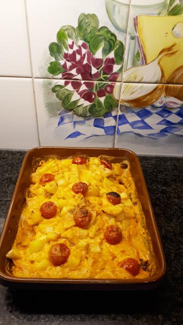 Ovenschotel met zeeduivel, knolselder, aardappelen en paprikasaus 1